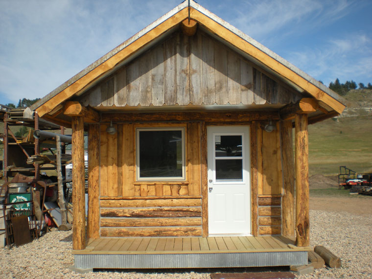 Rustic mini cabins mountain woodworks for Rustic home builders